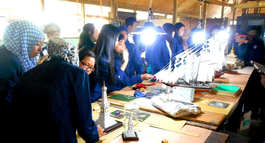 Ingin Melihat Langsung Proses Pemasyarakatan, Mahasiswa Hang Tuah Berkunjung  ke Lapas Wirogunan