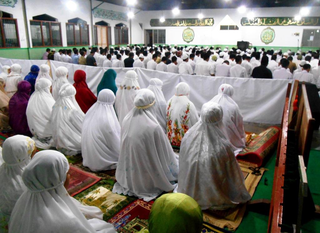 "Tarawih Berjamaah Pertama di Lapas Wirogunan; ""Hati Gembira Melihat Bintang di Bulan Ramadhan"""