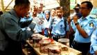 Anggota Koperasi Yogyakarta antusias menyimak pemaparan Widodo, pebisnis dari Ajitek Agromediasindo mengenai usaha semut kroto pada Rabu (27/8).