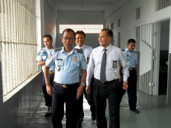 Kalapas Wirogunan bersama Kakanwil Dirjen pajak -1