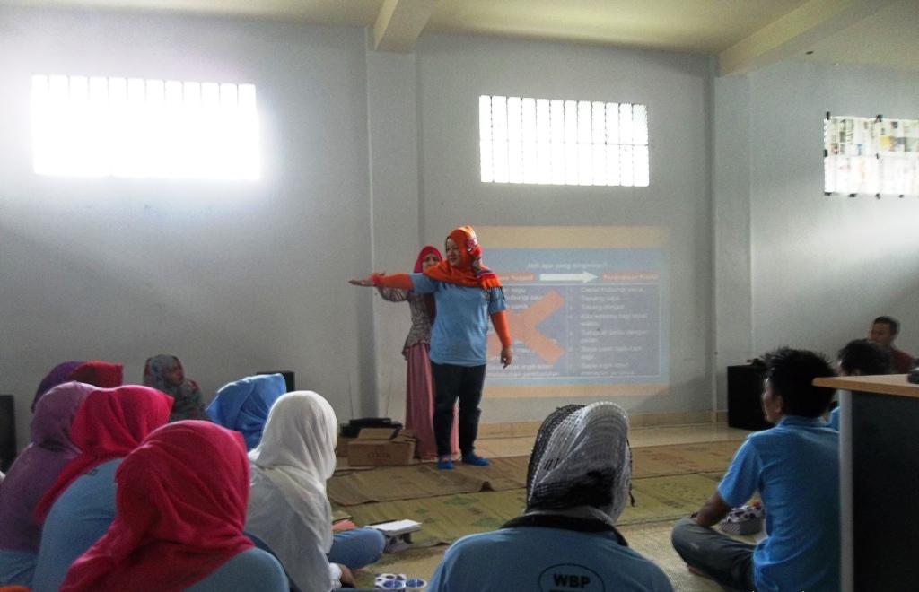 Mahasiswa UMY Menyelenggrakan Program Kreativitas di Lapas Wirogunan