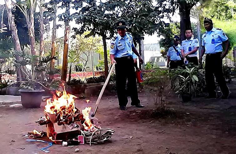 Petugas Lapas Yogya Kembali Musnahkan Barang Hasil Razia