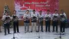 Paduan Suara WBP saat tampil dalam acara Perayaan Hari Raya Natal bersama Paguyuban Warga Kristiani di Aula Lapas Wirogunan Yogyakrta, Senin (14/12). [Foto: Istimewa]