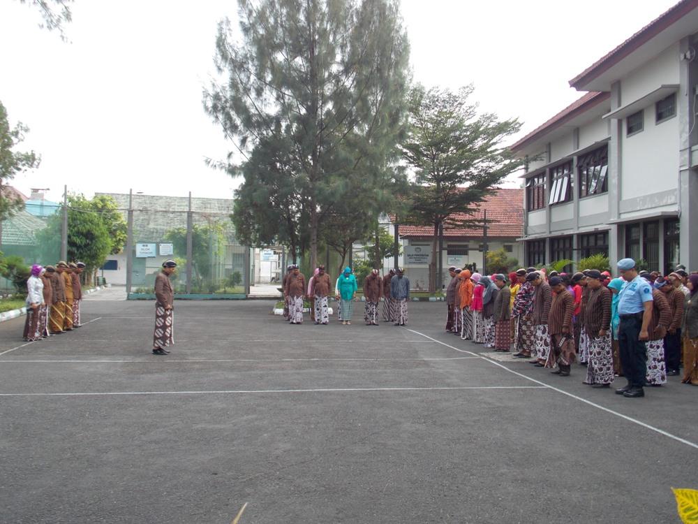 Hari Keistimewaan Yogyakarta  Para Pegawai Lapas Wirogunan Kenakan Pakaian Tradisional