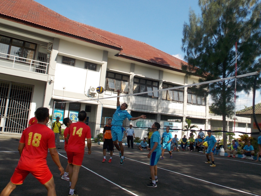 Turnamen Bola Voly di Lingkungan Kanwil Kemenkumham DIY  Tim Putra Putri Lapas Wirogunan Berjaya