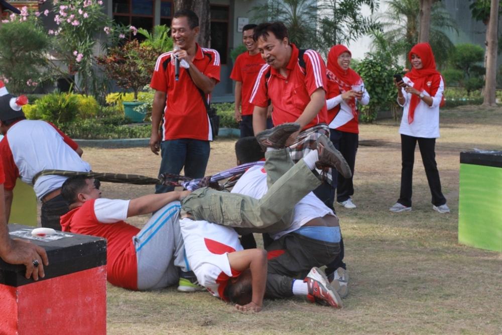Semarak Peringatan Hari Kemerdekaan RI ke-72  Petugas Lapas Wirogunan Pesta Permainan