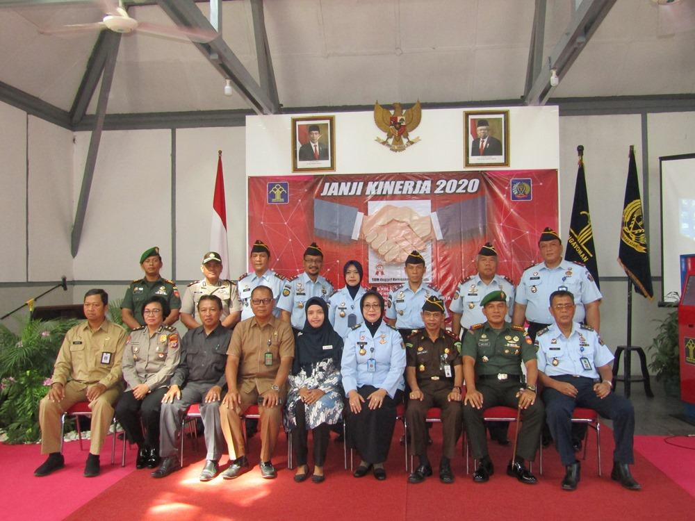 Lima UPT Pemasyarakatan lakukan Deklarasi Janji Kinerja dan Pencanangan Pembangunan Zona Integritas  di Lapas Wirogunan Yogyakarta