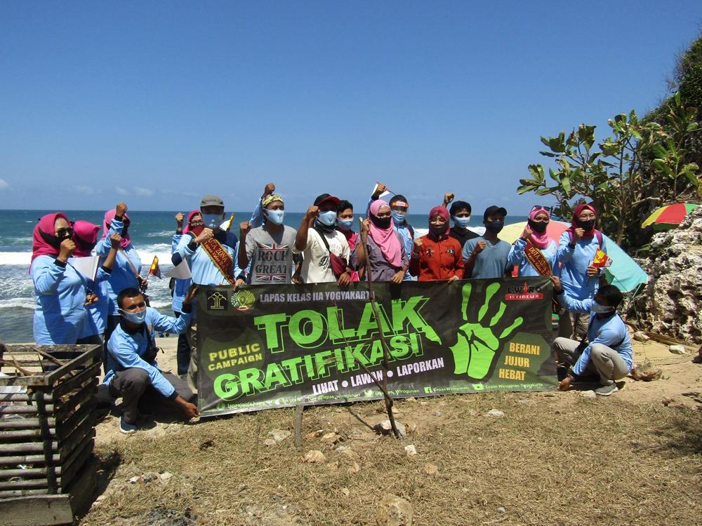 Tegaskan Bersih dari KKN Lapas Wirogunan Yogyakarta  Public Compaign di Pantai Ngobaran