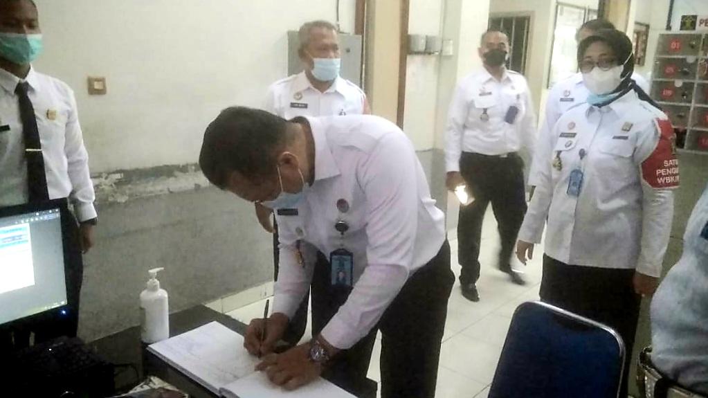Staf Ahli Menteri Meninjau Kesiapan Lapas Yogyakarta Menuju WBK