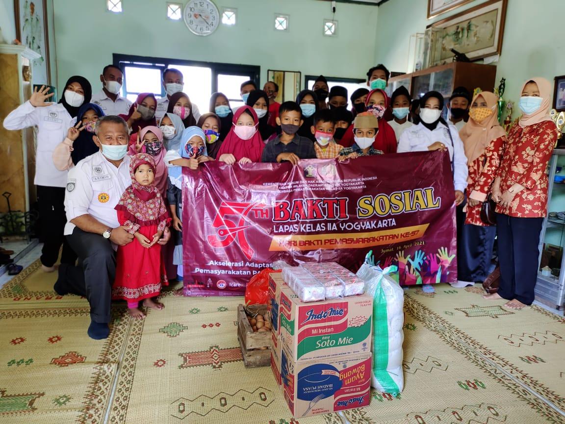 Lapas Yogyakarta Bakti Sosial Peringati Hari Bakti Pemasyarakatan ke-57
